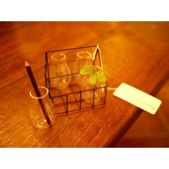 日本玻璃瓶鐵絲藍架
