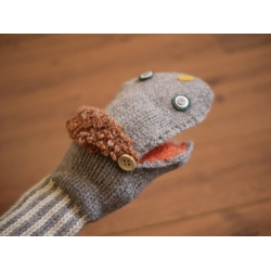 再入荷!日本毛線實木扣情侶手套
