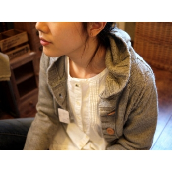日本B.L.U.E淺灰色毛質有帽外套