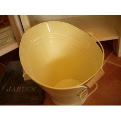 日本奶油木把水桶