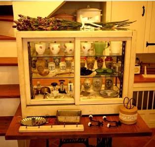 玻璃古董碗櫥櫃