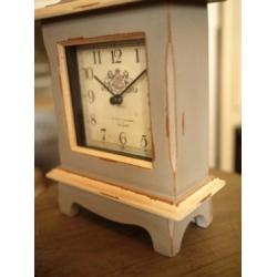日本灰藍色木製桌鐘