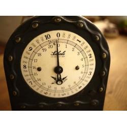 再入荷!德國1940年代黑色銅盤古董秤