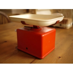 瑞士1961年代可愛紅色古董秤
