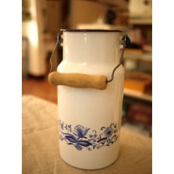 德國1900年白色琺瑯牛奶壺