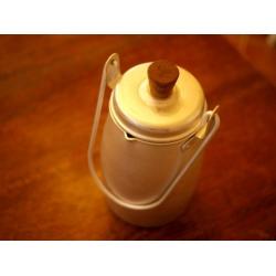日本復古牛奶容器罐