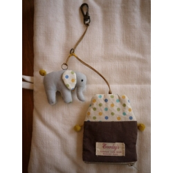 日本小象小馬隱藏式鑰匙零錢包吊飾