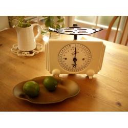 德國1950年代古董米黃色銅盤秤